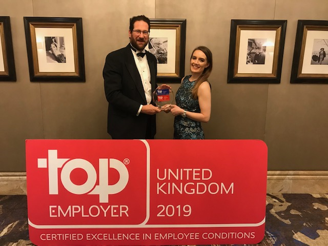 Colleagues receiving the Top Employer Award 2019